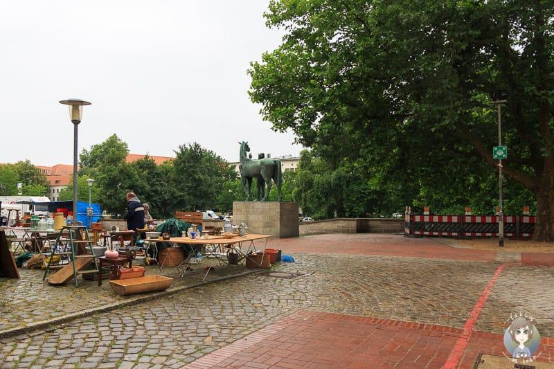 Flohmarkt am Leineufer in Hannover