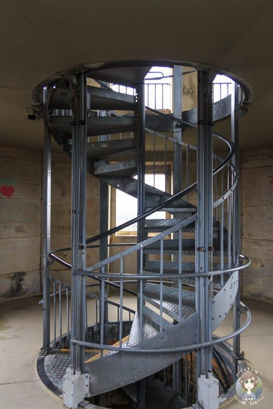 Die Treppe auf der Aussichtsplattform vom Neuen Rathaus