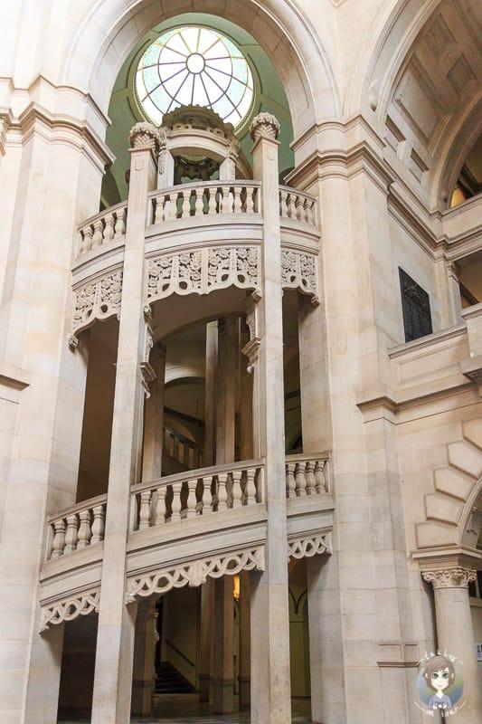 Das Treppenhaus vom Neuen Rathaus