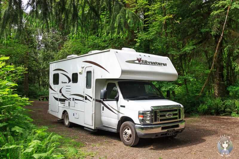 Ein Wohnmobil auf einem der Campingplätze in den USA im Olympic Nationalpark