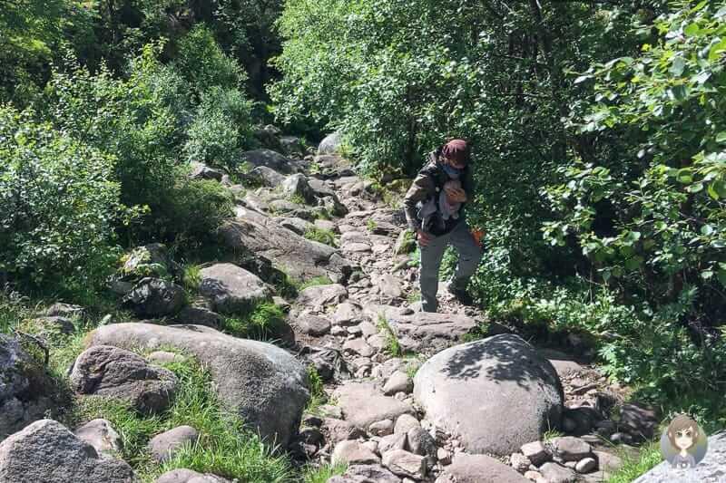Der steinige Aufstieg mit Baby