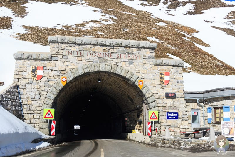 Der Tunnel Hochtor an der höchsten Stelle der Grossglockner Hochalpenstrasse