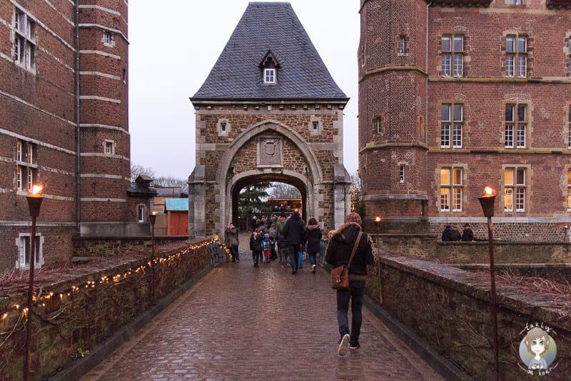 Eingang zum Schloss Merode