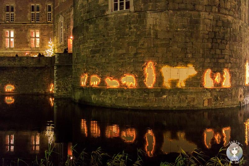 Schöne Dekoration auf dem Weihnachtsmarkt Schloss Merode