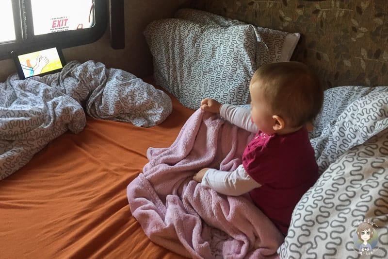 Filme und Musik auf dem Ipad für Klein Kinder im Wohnmobil