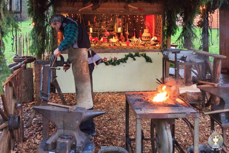 Kunsthandwerk auf dem Weihnachtsmarkt Schloss Merode