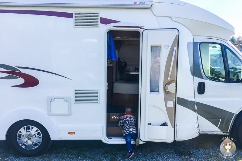 Auf Reisen mit Kleinkind im Wohnmobil dise Dinge sollte man dabeihaben