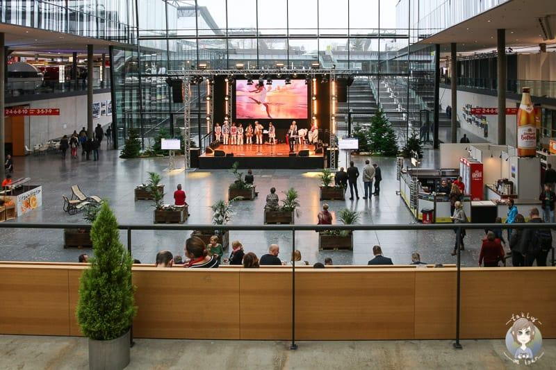 Die Atriumsbühne auf der CMT 2019 in Stuttgart