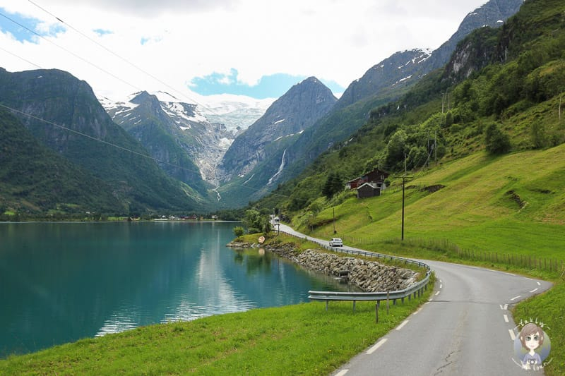 Landschaftlich schöne Strecke mit dem Wohnmobil durch Norwegen Richtung Briksdalsbreen