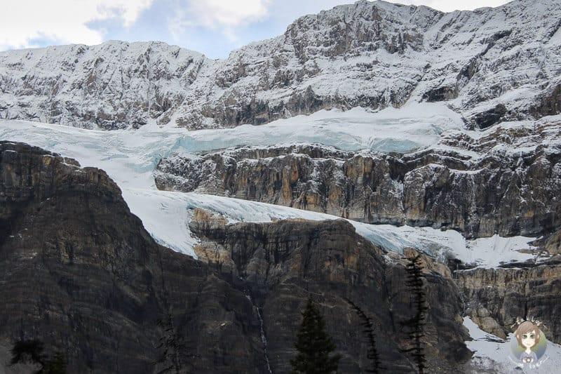 Der Crowfoot Glacier am Icefields Parkway in Kanada