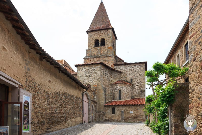 Die Kirche des Priorats in Pommiers