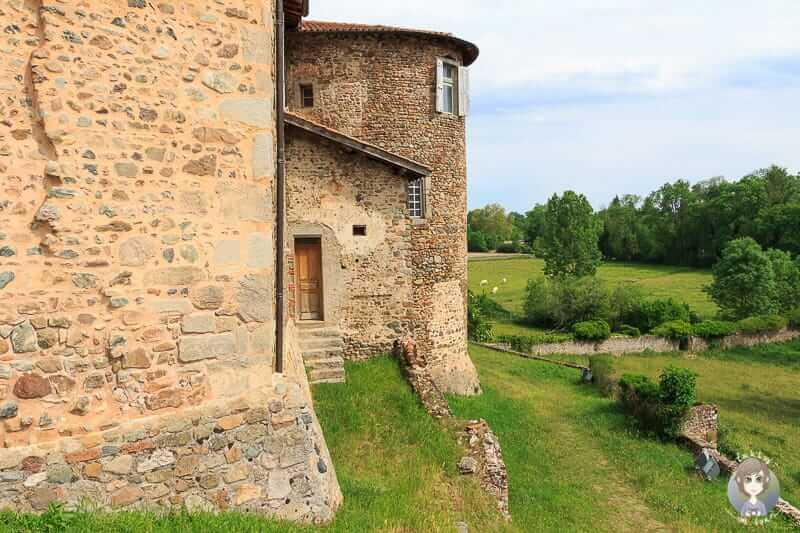 Klostermauern vom Priorat in Pommiers