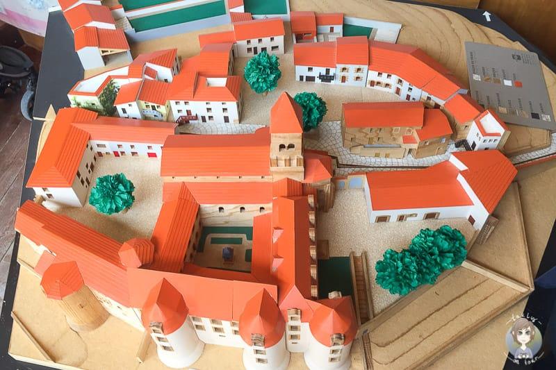 Uebersicht des ehemaligen Benediktinerkloster in Pommiers