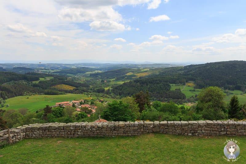 Die Aussicht von Montarcher in Frankreich