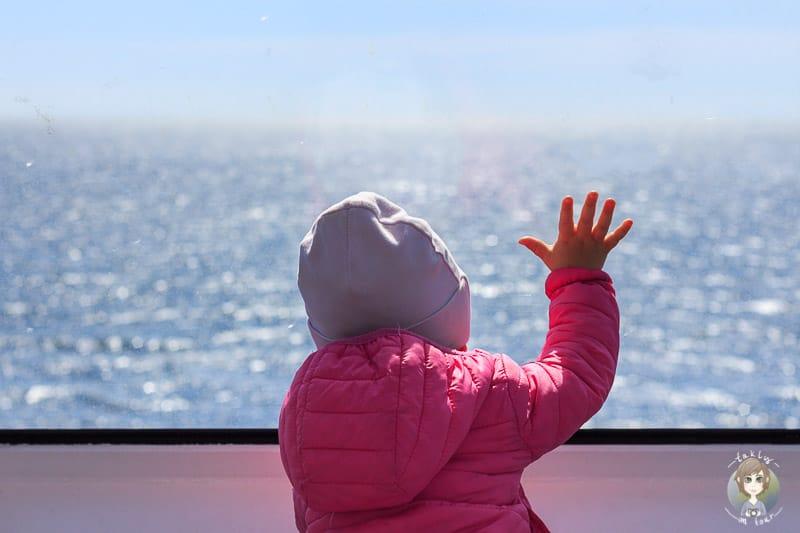Mit Kind auf der Fähre nach Vancouver Island