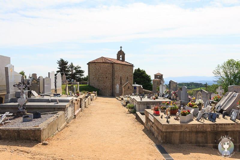 Friedhof in Marols in der Loire Frankreich