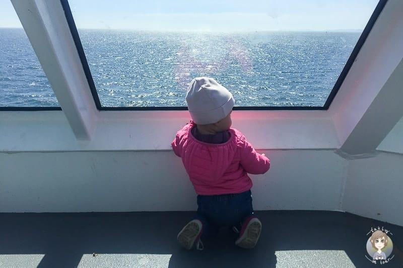 Mit Kind auf der Fähre von Vancouver Island