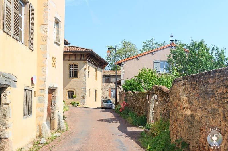 Eine Gasse in Saint Haon-le-Chatel