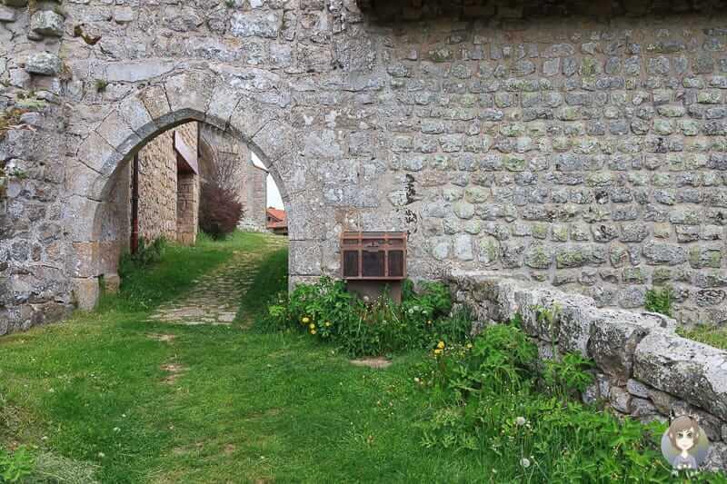 Eine Schatztruhe in Montarcher in der Loire Frankreich