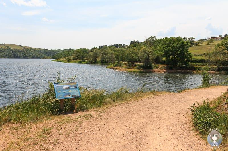 Spaziergang am Villerest See in der Loire