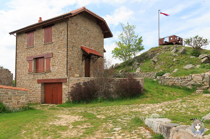 Ein Steinhaus in Montarcher