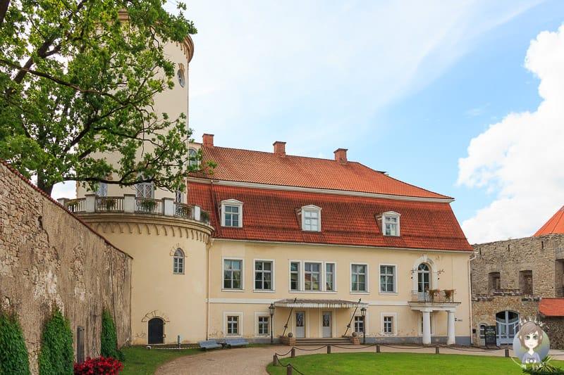 Neues Schloss in Cesis während unserer Baltikum Rundreise