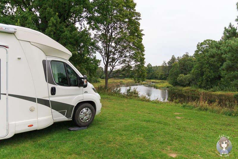 Schöner Campingplatz im Soomaa National Park auf unserer Baltikum Rundreise