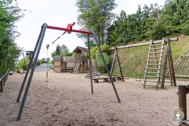 Abenteuerspielplatz auf dem Listersee Camping Gut Kalberschnacke im Sauerland