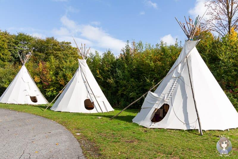 Tipis als Mietunterkünfte auf dem KNAUS Camping im Sauerland