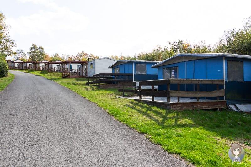 Mietunterkünfte auf dem KNAUS Campingpark am Hennesee im Sauerland