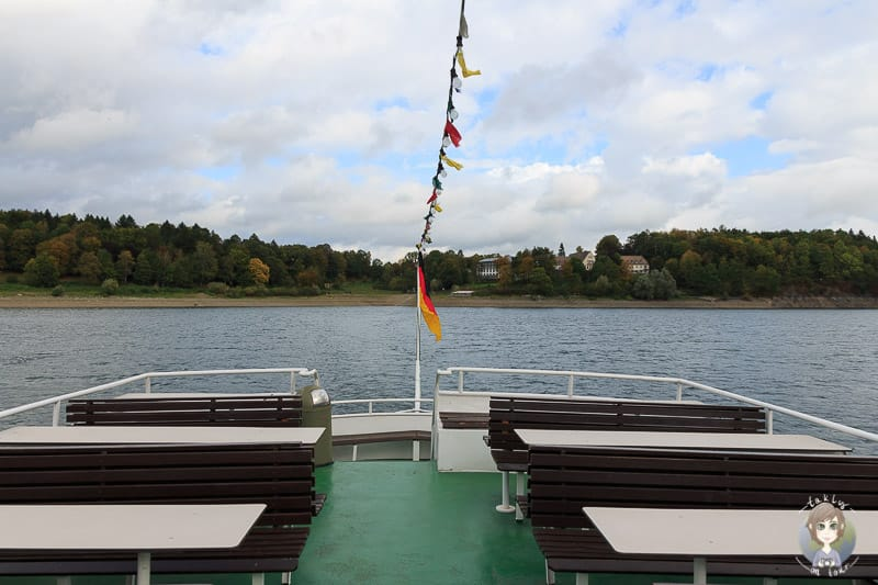 An Deck der Hennesee Schifffahrt