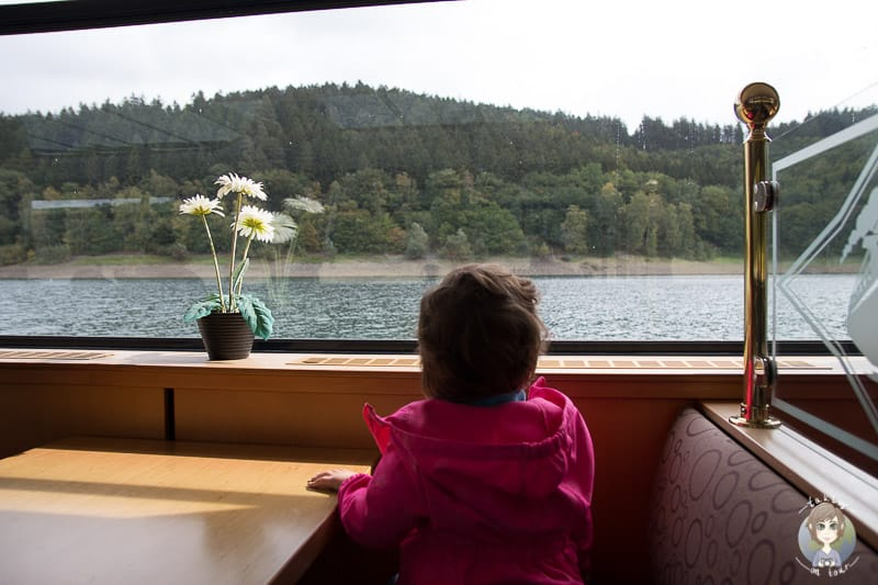 Hennesee Schifffahrt mit Kind