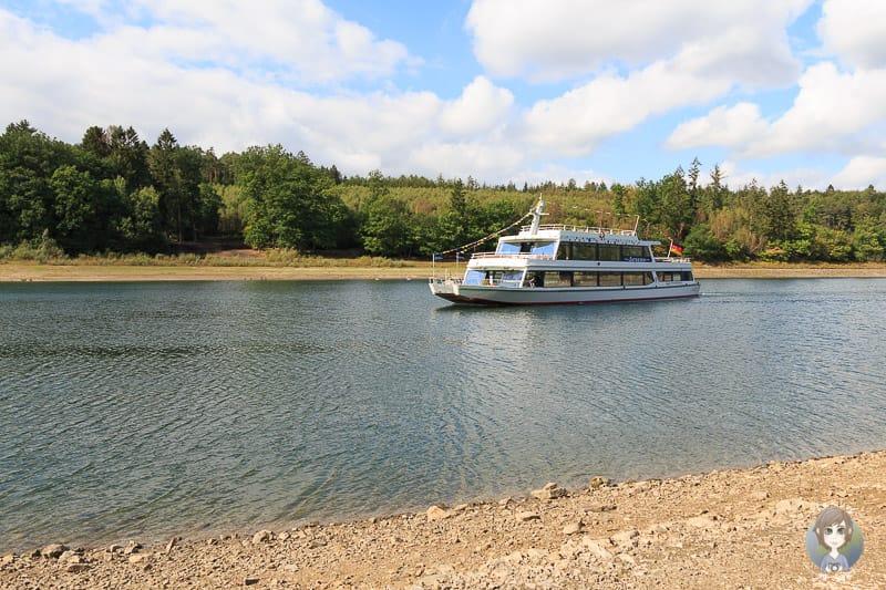 MS Sorpesee Schifffahrt auf einem Sauerland See