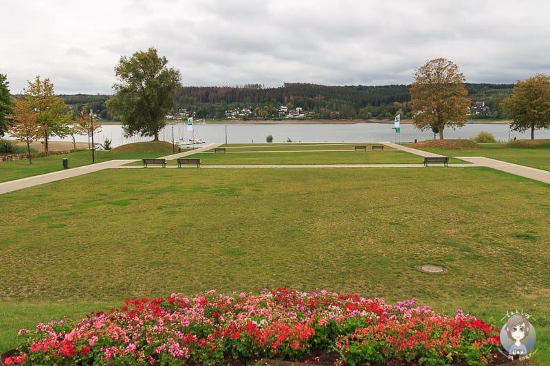 Blick auf den Seepark am Möhnesee