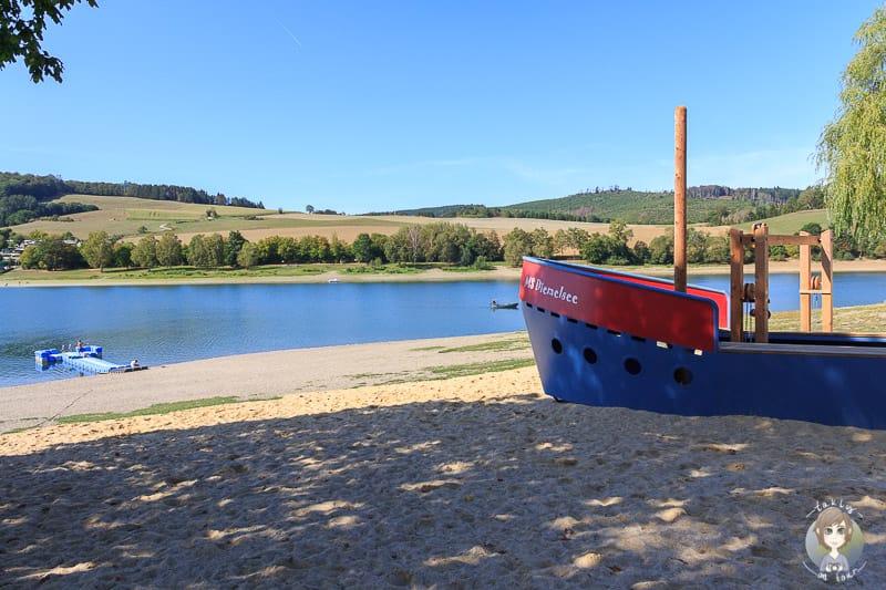 Spielschiff am Diemelsee im Sauerland