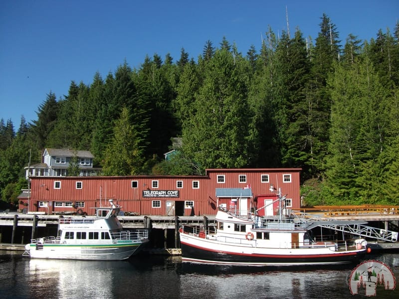 Der Hafen von Telegraph Cove auf Vancouver Island