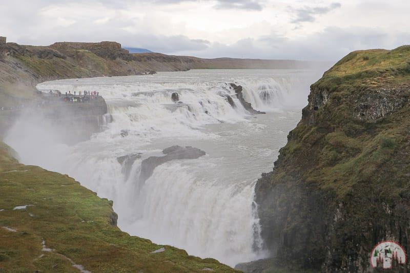 Goldener Wasserfall der Gullfoss am Golden Circle Island