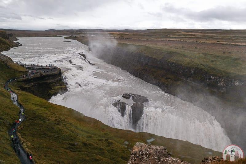 Gullfoss der goldene Wasserfall in Island am Golden Circle