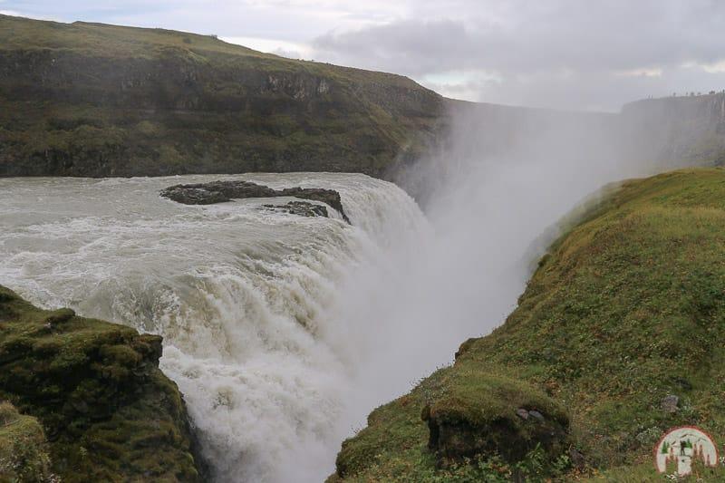 Gullfoss Wasserfall auf dem Golden Circle in Island