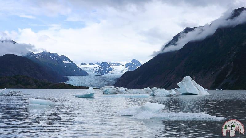 Der Grewingk Gletscher See