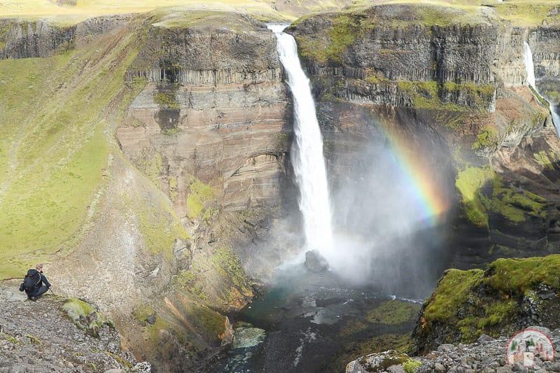 Grössenvergleich Háifoss Wasserfall in Island