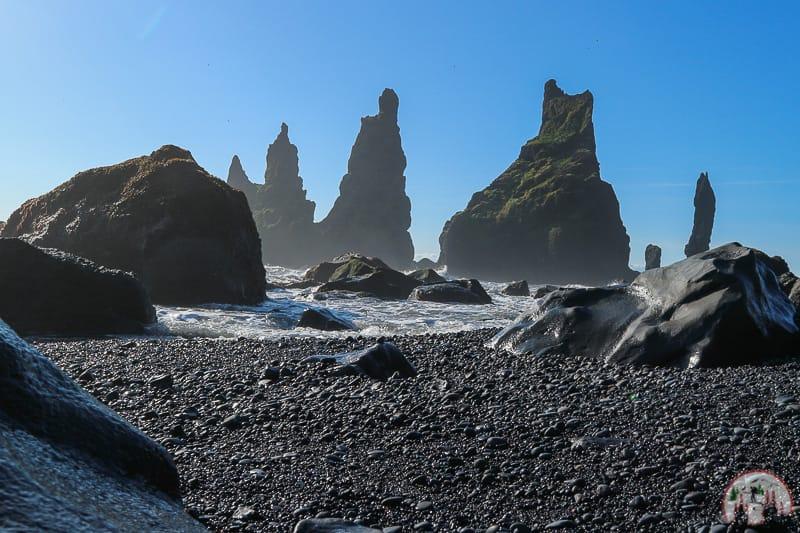 Reynisdrangar Felsnadeln nahe Vík in Island