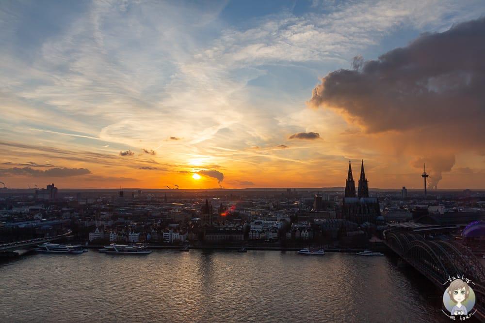 Sonnenuntergang vom Triangle Köln
