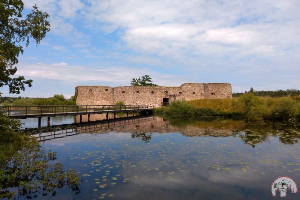 Die Schlossruine Schlossruine_Kronoberg auf einem Roadtrip durch Schweden