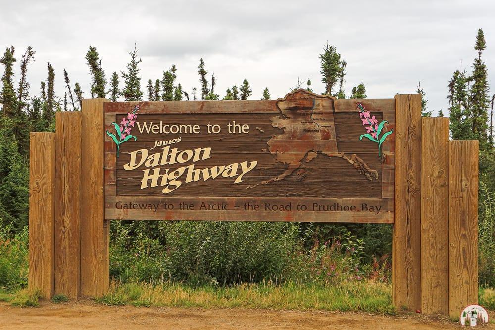 Berühmtes Schild am Dalton Highway Alaska