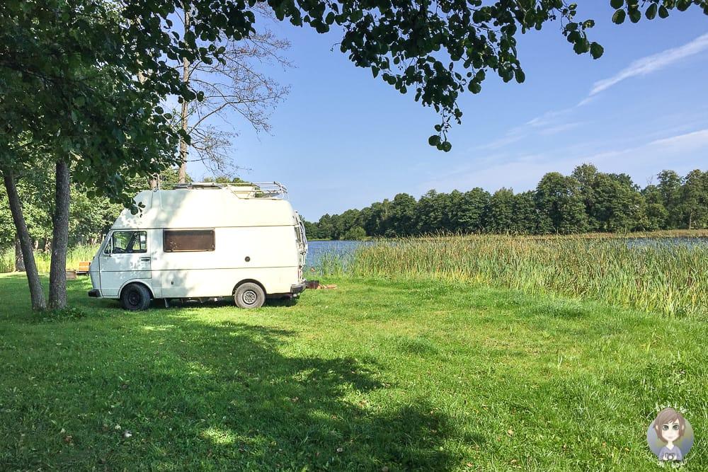 Ein Van beim Wildcamping in Deutschland und Europa