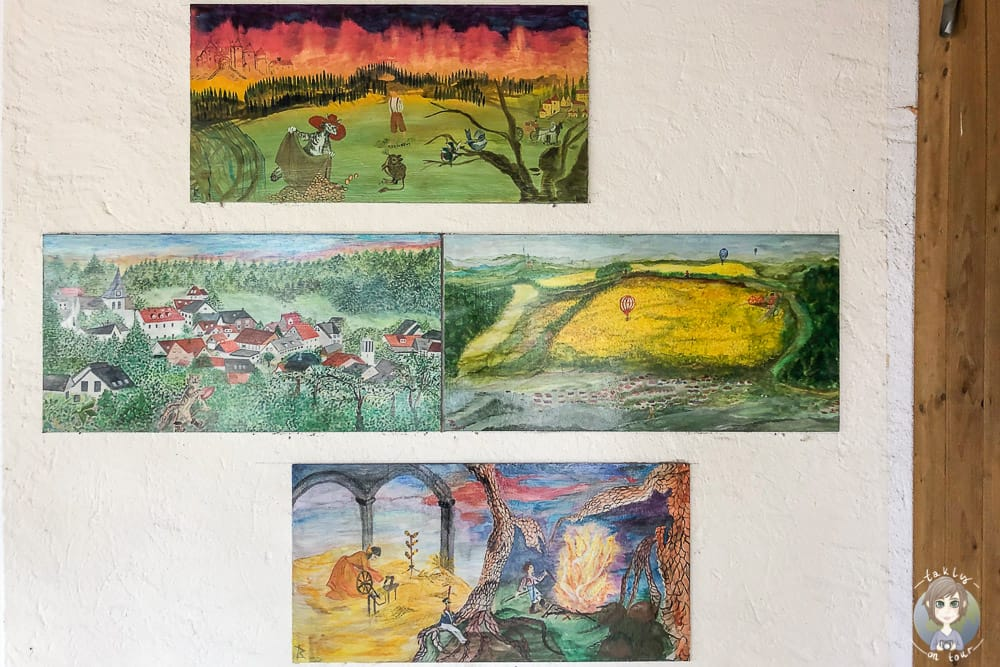 Märchenbilder an der KiTa in Talle